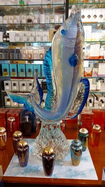 Ein Fisch aus Murano-Glas, das Maskottchen der Contehrapia in Osthofen